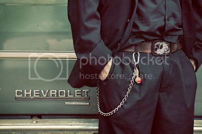 http://i892.photobucket.com/albums/ac125/lovemademedoit/DA_blog_002-1.jpg?t=1276802790