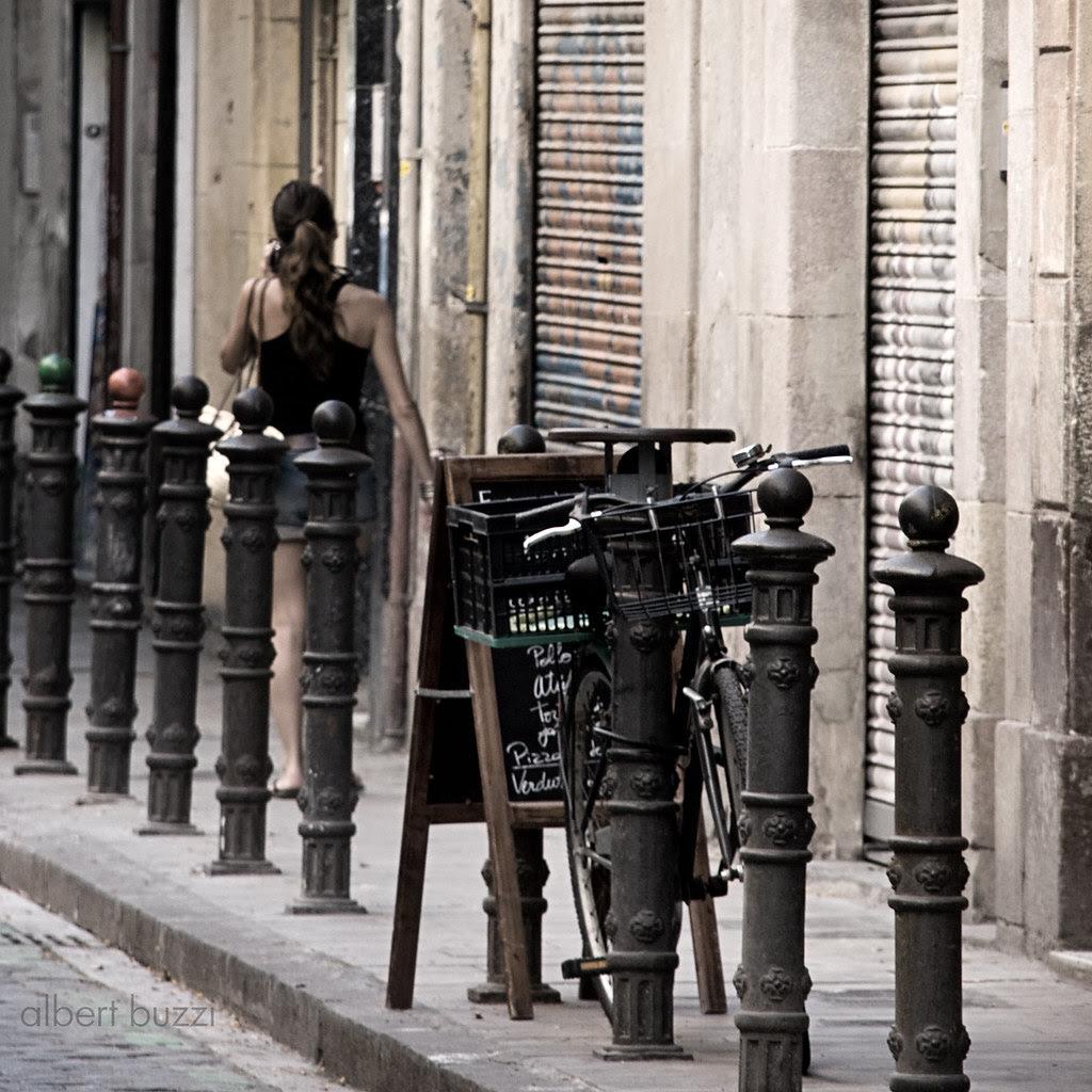 bicicleta, pissarra, noia