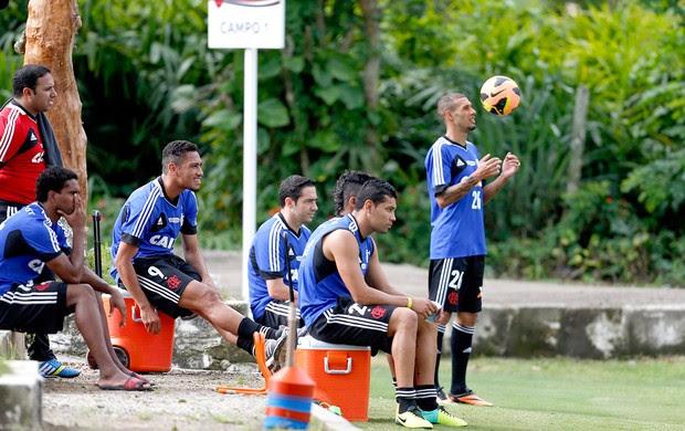 André Santos treino do Flamengo (Foto: Alexandre Cassiano / Agência O Globo)