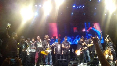 Astros do Rock nacional honram Charlie Brown Jr. em festa de 31 anos da Rádio Rock