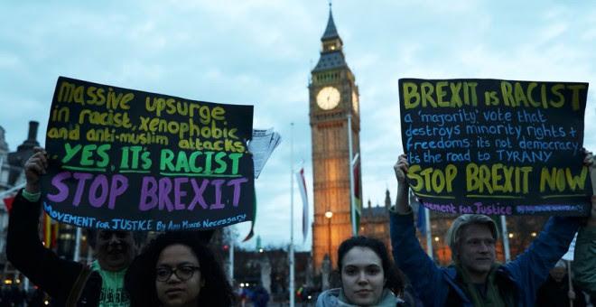 Manifestantes contra el Brexit en Londres este lunes. REUTERS/Neil Hall
