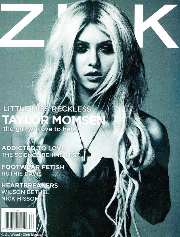 Olhos de quartos: Taylor Momsen destaca os seus bens com um aperto e um colar de bala fálico na capa de março de Z nk!