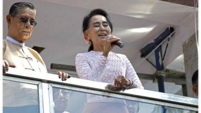 Bà Aung Sang Suu Kyi