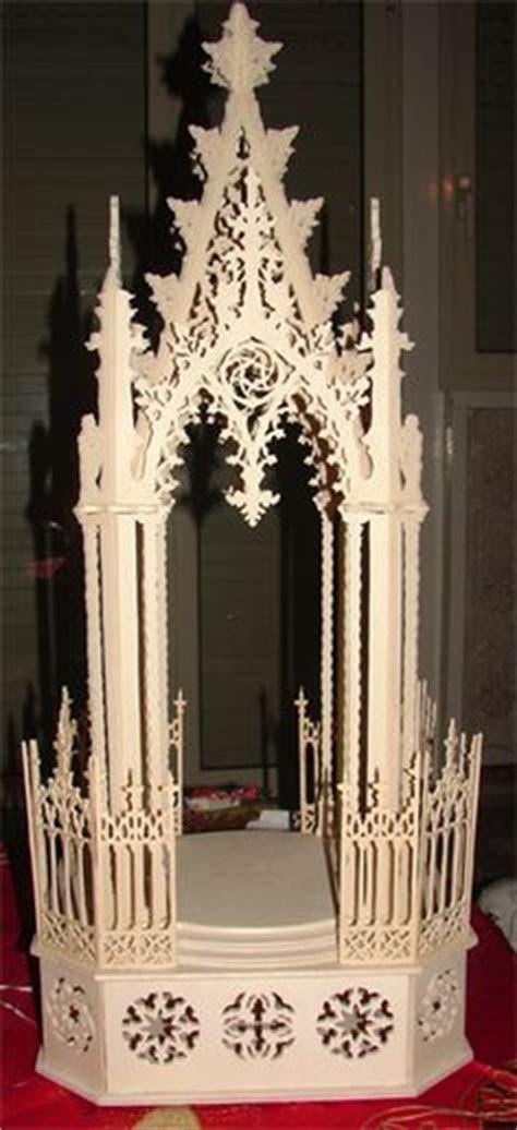 Gothic altar, scroll saw fretwork pattern   Scroll saw