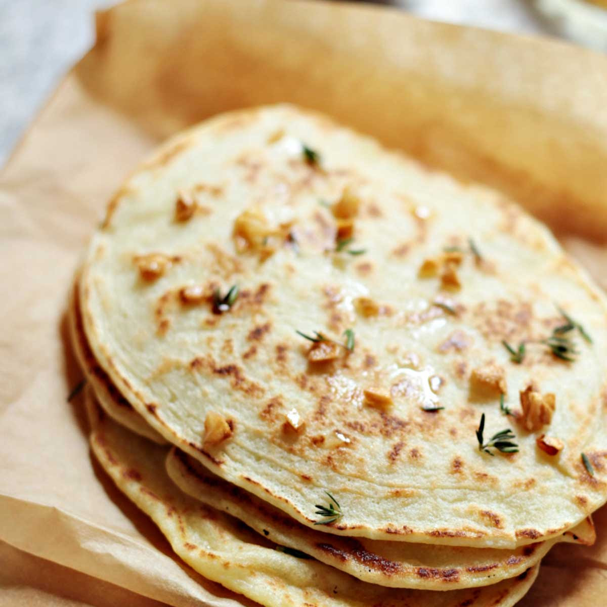 Paleo Garlic Naan Bread (Quick and Easy Recipe) | Paleo Grubs