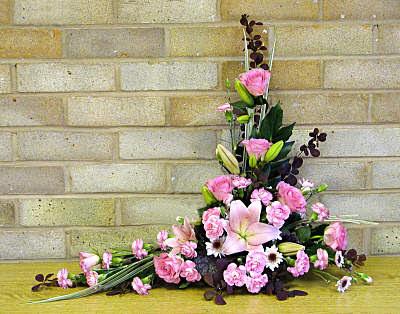 Flower Arranging By Chrissie Harten Design 152