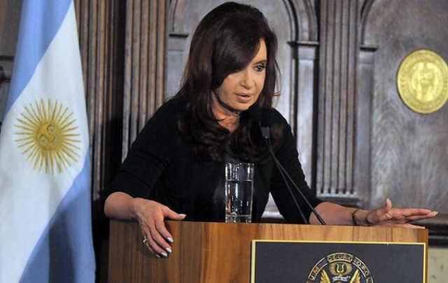 """""""El problema más grande en la crisis global es que no se les cae una idea"""", dijo Cristina"""