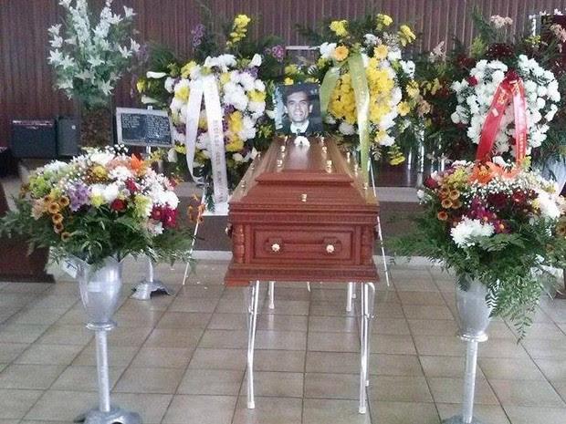 Corpo de Geraldo da Cunha está sendo velado no bairro São Pedro; enterro será às 14h. (Foto: Kassem Said / Inter TV dos Vales)