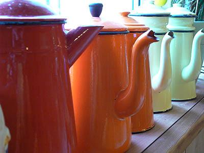 cafetières colorées.jpg