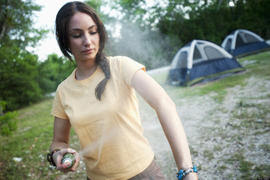 πως-να-αποφύγετε-τα-κουνούπια-και-να-φτιάξετε-σπιτικό-φυσικό-αντικουνουπικό