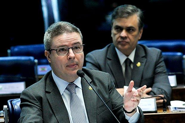 O senador Antonio Anastasia (PSDB-MG), em sessão no plenário