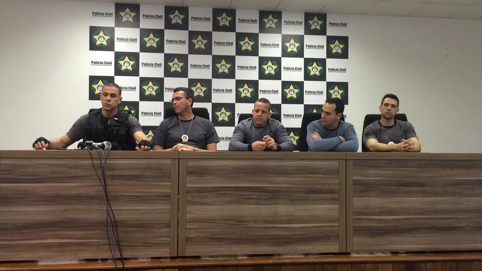 Polícia Civil fala sobre operação de captura do miliciano Carlinhos Três Pontes (Foto: Gabriel Barreira/G1)