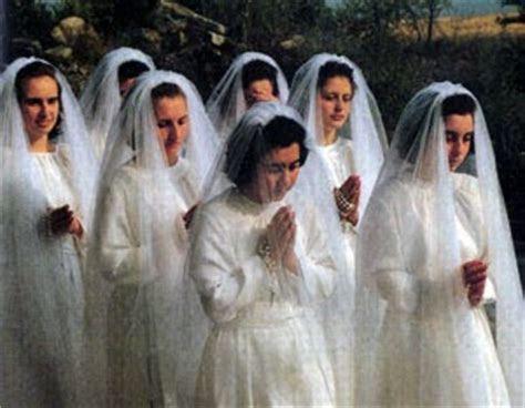 TheCarmeliteblogger: My Carmelite Sisters still wear