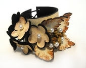 Leather floral cuff bracelet. Beige and ivory  color corsage.