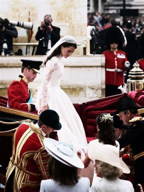 1000  images about Kate's Wedding Dress on Pinterest