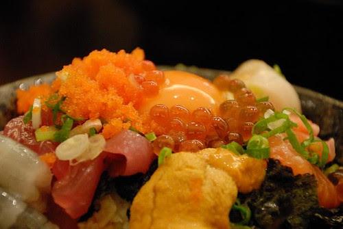 金泰海鮮蓋飯 - 鮭魚卵 + 土雞蛋