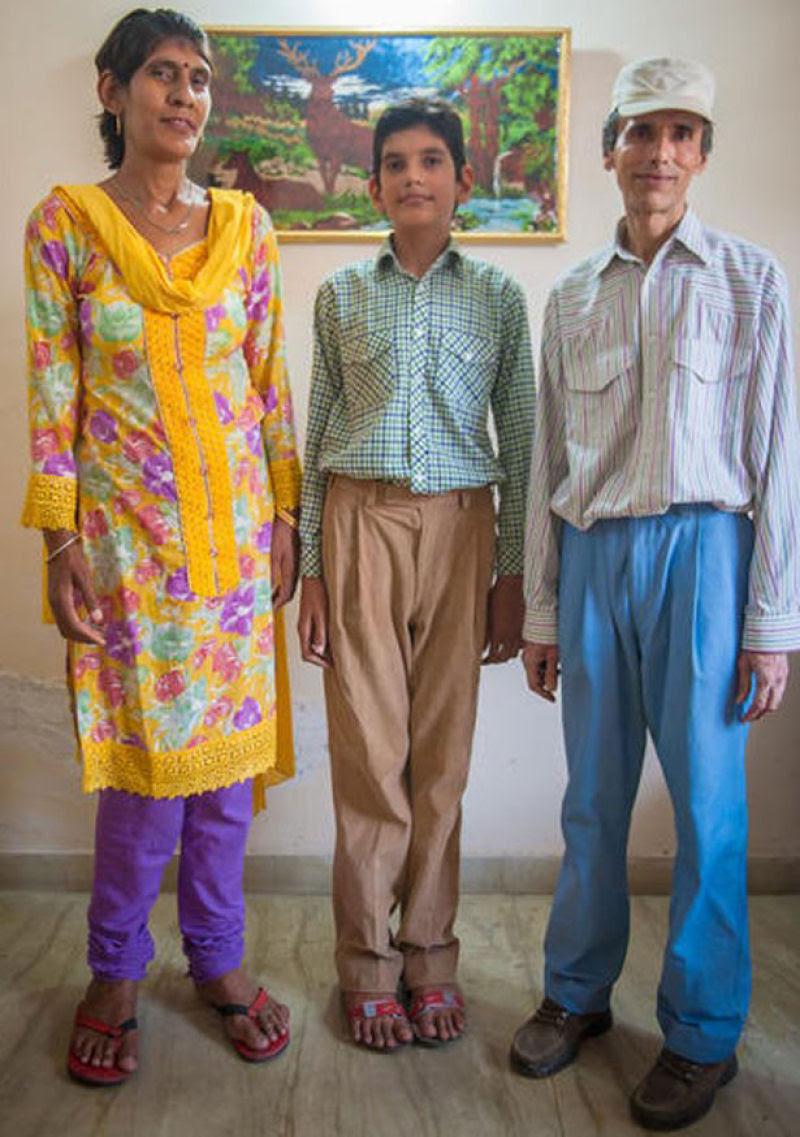 O menino de 8 anos mais alto do mundo mede 2,10 metros 03
