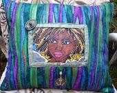 Mira Art Pillow c-2011