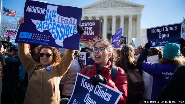 USA Washington Demonstration Abtreibung (picture-alliance/dpa/S. Thew)