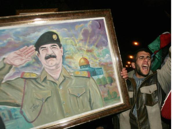 Manifestazioni pro Saddam Hussein (Reuters)