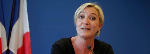 Le FN fait de plus en plus d'ombre à l'UMP et au PS