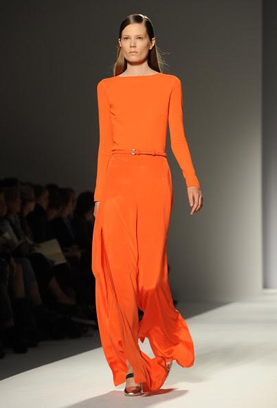 Max+Mara+Milan+Fashion+Week+Womenswear+2011+z1X1j8Injm2l