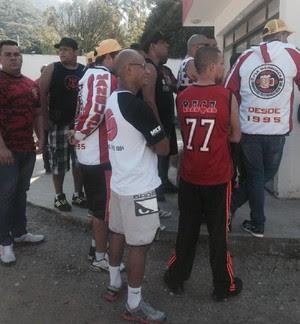 Torcida Flamengo Ninho do Urubu (Foto: Felippe Costa)