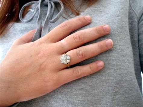 In Europe engagement ring is worn on the right hand   News