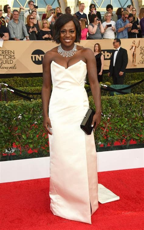Bridal Perfect Dresses From The SAG Awards 2017   Arabia