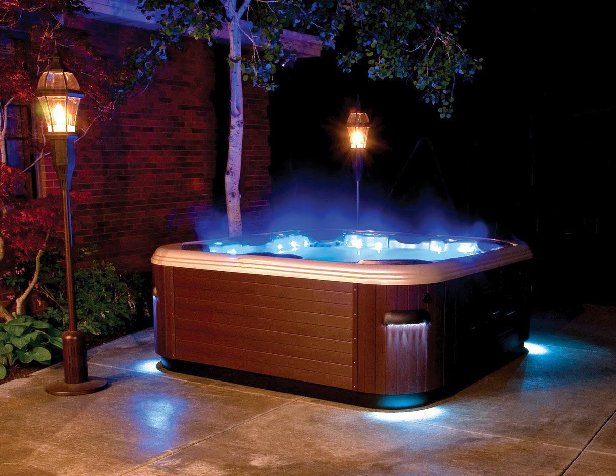deluxe hot tubs idea