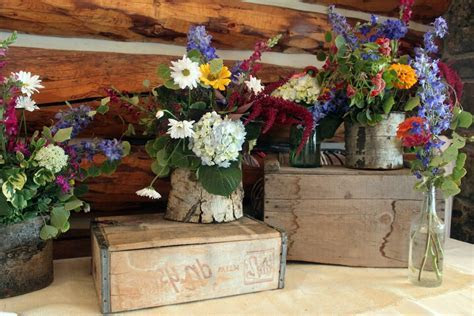 Nancee's blog: Rustic Wedding Decor Vintage
