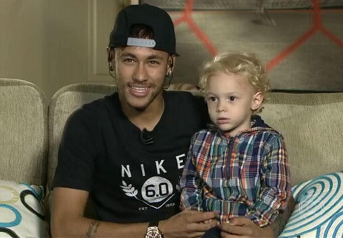 Neymar assume que está namorando Bruna Marquezine