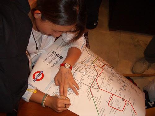 Jenni signs Tami's map