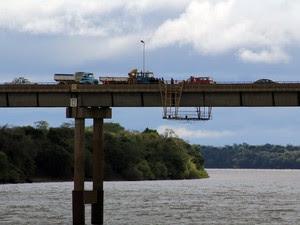 Argentino fazia a manutenção na Ponte Internacional da Integração (Foto: Dilhermano Messa/Folha de São Borja)