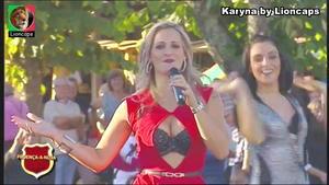 Karyna sensual a cantar