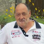 "Molphey | Molphey : ""Johnny"", propriétaire de la station-service Johnny Fuel, rend hommage à son idole"
