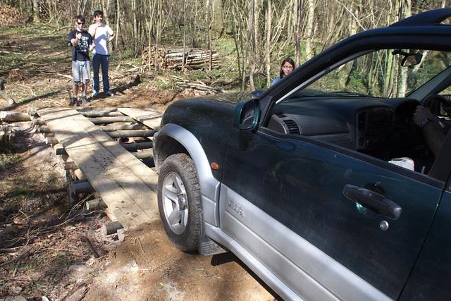 DSC_3758 Car approaching log bridge