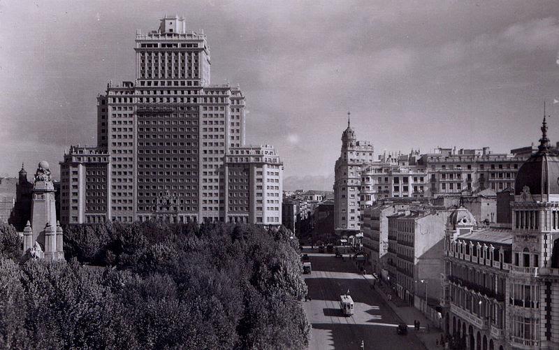 File:Edificio España.jpg
