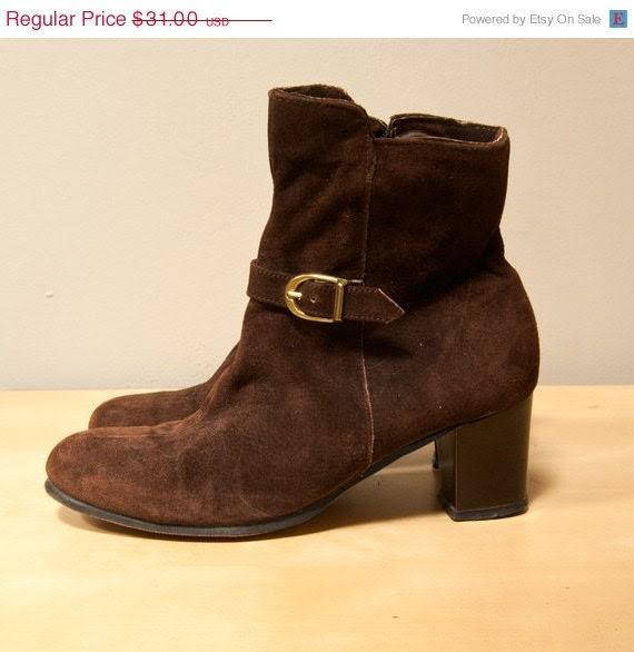 30% OFF Vintage 70s Brown Suede Hush Puppies Ankle Boots