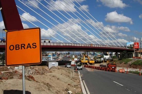 Atraso. Levantamento publicado pelo 'Estado' mostrou que pelo menos 30 grandes obras estão paradas em todo o País