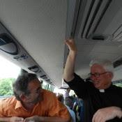 Unser Herr Erzbischof Franz Lackner kann so richtig aus dem Herzen lachen. Ja er trägt die Sonne im Herzen.