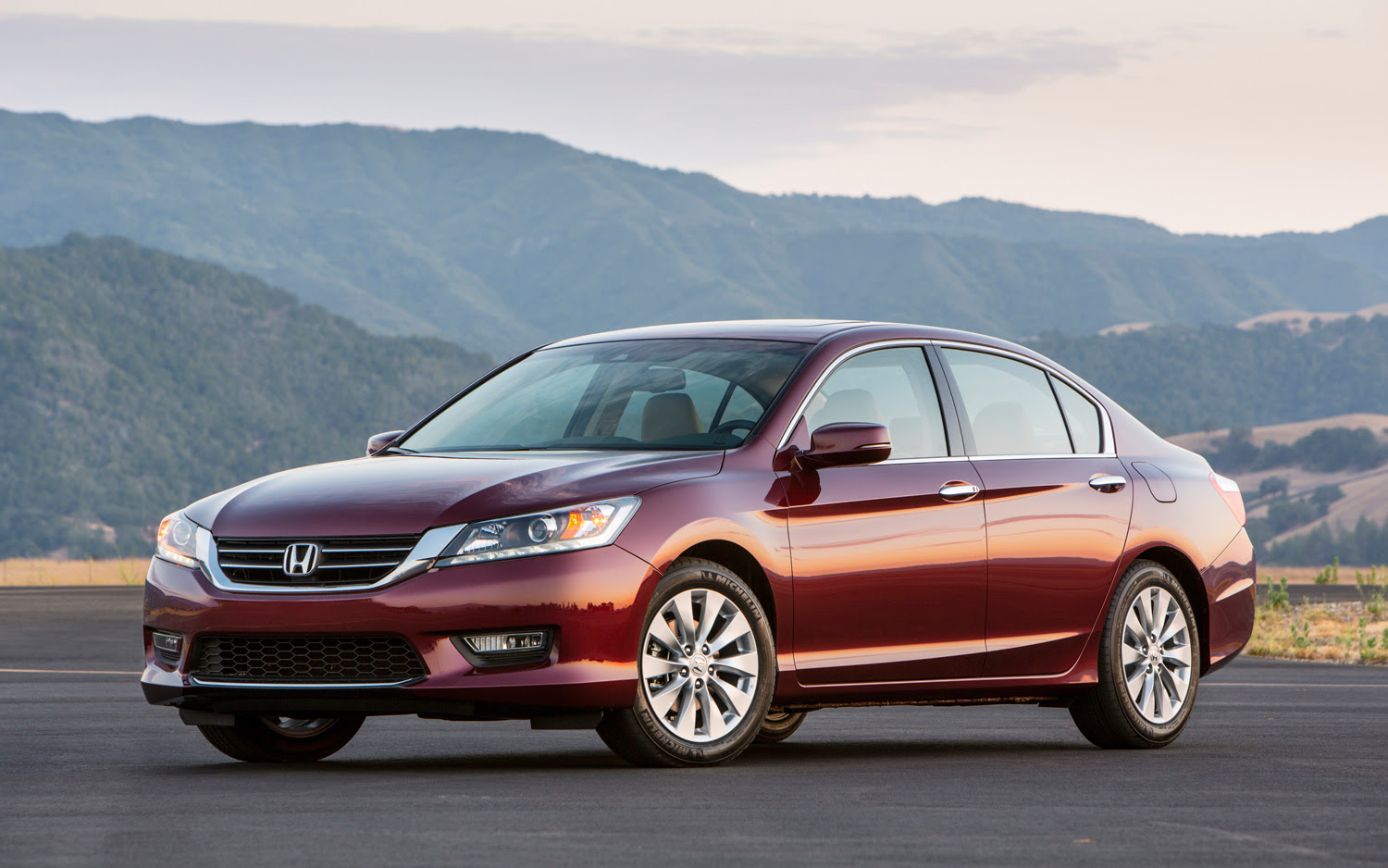 2017 Honda Accord Pictures