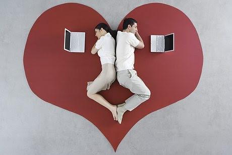 http://globedia.com/imagenes/noticias/2011/5/25/crisis-pareja-facebook_2_726185.jpg