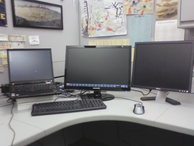 WorkDeskTripleMonitors