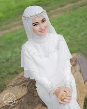 15+ Gaun Pengantin Putih Berhijab, Terkini!