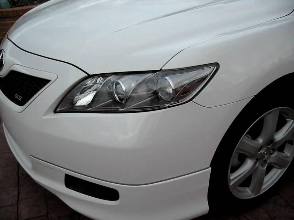 2009 Toyota Camry SE white with clear headlights, spoiler, fin ...