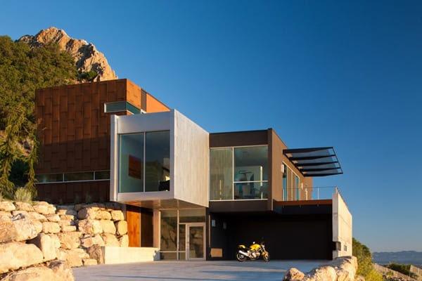 Beautiful modern home with fabulous views