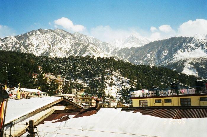The café town McLeod Ganj for a romantic escapade into hills
