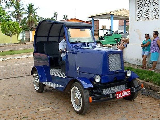'Calambec' faz sucesso nas ruas de Pureza (Foto: Reprodução/Inter TV Cabugi)