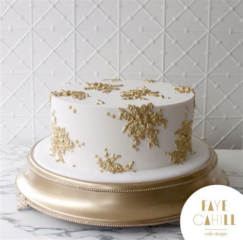An Opulent Wedding with a Single Tier Cake?   Faye Cahill